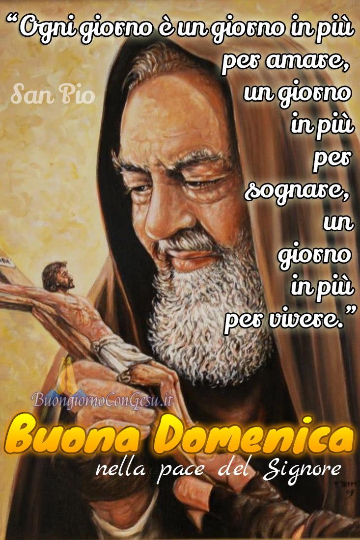 Buona Domenica con Padre Pio foto sacre WhatsApp
